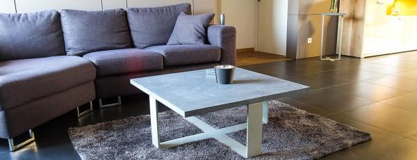 table basse pierre bleu et acier