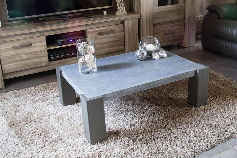 Table basse en pierre bleue jeliodesign for Table basse pierre